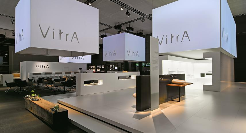 Exhibition Hall Booth : Vitra totems